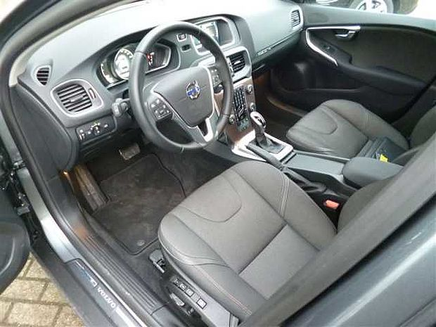 volvo v40 cross country d3 aut quasi full options. Black Bedroom Furniture Sets. Home Design Ideas
